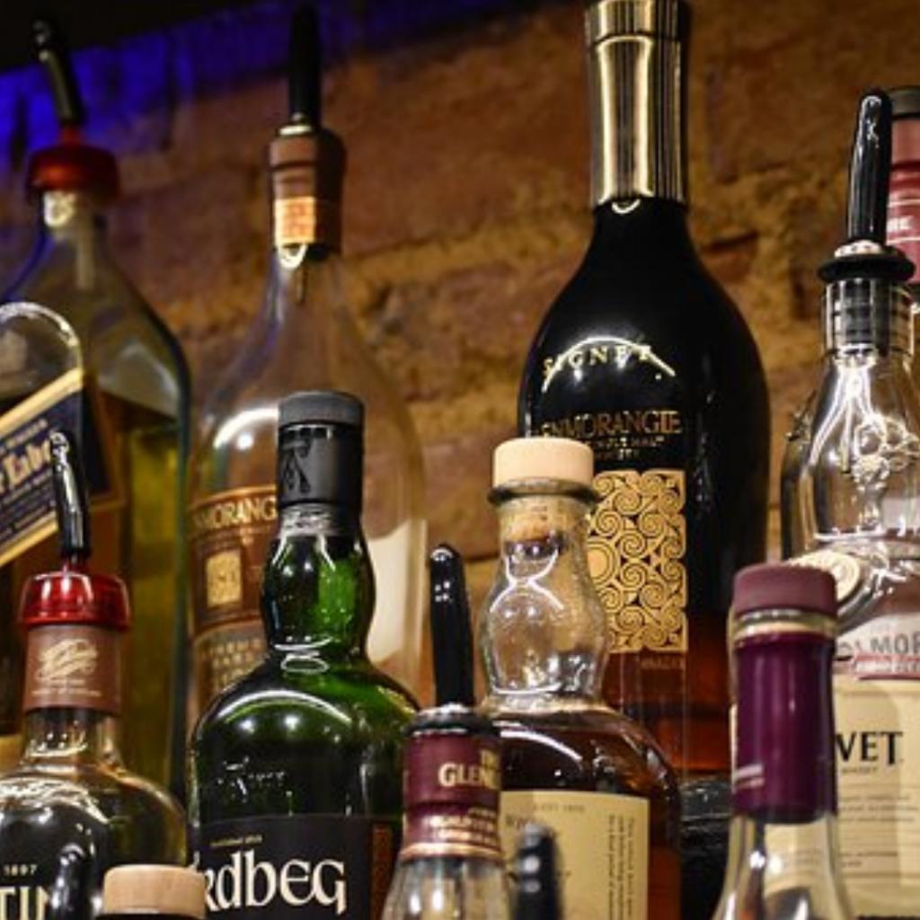 News & prioslav.ru: Надо ли в России повышать возраст покупки алкоголя?
