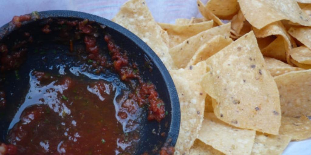 Лучший завтрак в Мексике: чипсы из тортильи в сальсе