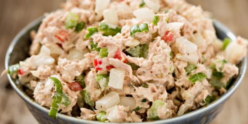 Лучший завтрак на Мальдивах: салат из тунца