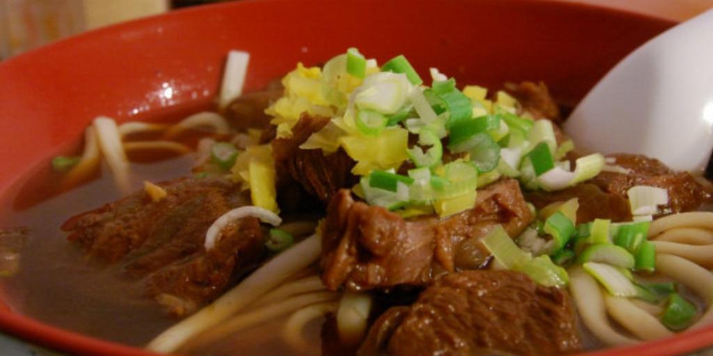 Лучший завтрак во Вьетнаме: суп с лапшой и мясом